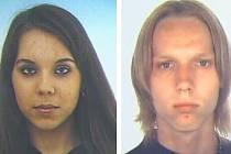 Pohřešovaná dvojice – Eliška z Kladna a Tomáš z Buštěhradu – jsou podle policie nejspíš někde spolu. Na rozdíl od pátrací fotografie má hledaná slečna nyní světlé vlasy.