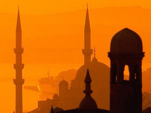 Tureckou kulturu přiblíží celotýdenní program, v jehož rámci ochutnáte turecká jídla, shlédnete turecké filmy, navštívíte tureckou výstavu,  poznáte  tureckou hudbu i tanec.