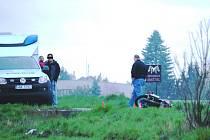 Policisté na místě vyšetřovali příčinu nehody