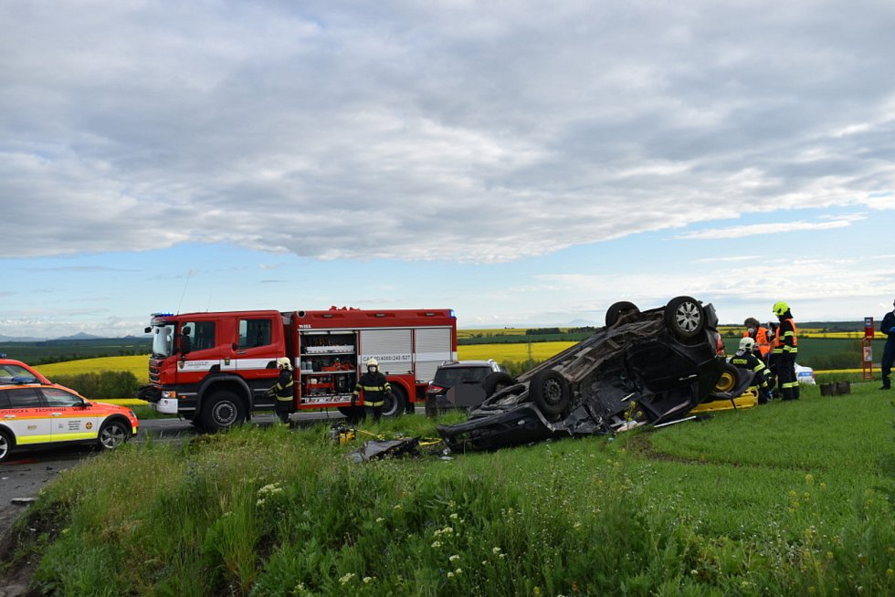 U Tuřan se stala vážná nehoda, zasahoval vrtulník.