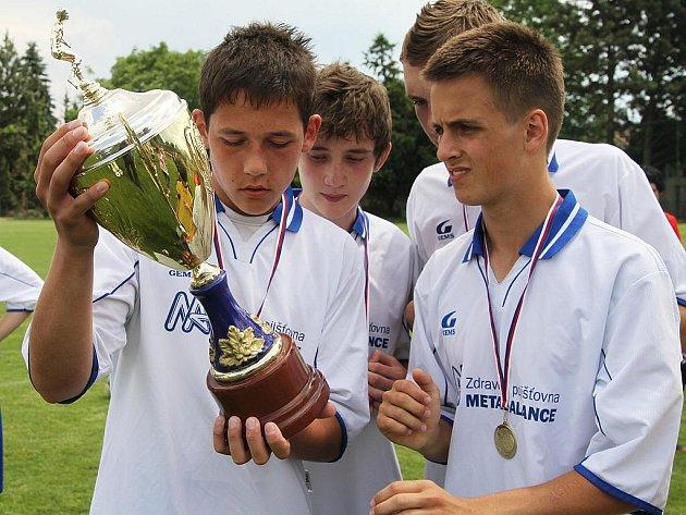 Lidický pohár 2011 (kat. st. žáci)  vybojovali mladí  hráči NOVO Kladno (11.6.2011)