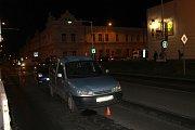 Jednu ženu srazilo auto v Kleinerově ulici u Billy v Kladně, druhou vlak v kolejišti u Velkého Přřítočna