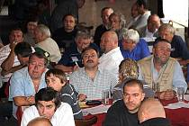 V kročehlavské restauaci U Meisnerů se 18.7.2009 konal losovací aktiv okresních fotbalových soutěží dospělých a mládeže