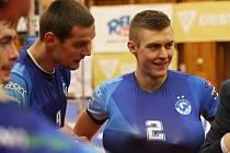 Kladno- Benátky n. J. Smečaři Tomáš Hýský (9) a Ondřej Lenc.