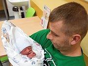 RICHARD JUKLÍČEK, PCHERY. Narodil se 6. listopadu 2018. Po porodu vážil 2,75 kg a měřil 46 cm. Rodiče jsou Renata Davidová a Luboš Juklíček. (porodnice Slaný)