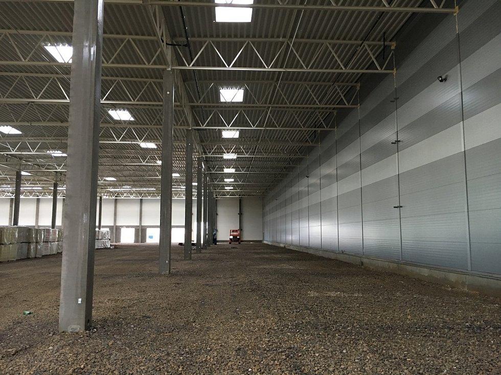Výstavba speciální haly pro česko-slovenskou společnost ViaPharma v Pavlově.