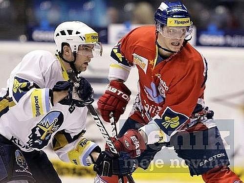 Pardubice - Kladno - 6.2.2012, vlevo Tony Melka