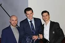 Vyhlášení sportovců Kladna za rok 2019. Vítězný tým Rytířů zastupovali zleva Lukáš Jůdl, Jiří Kalla a Adam Soukup.