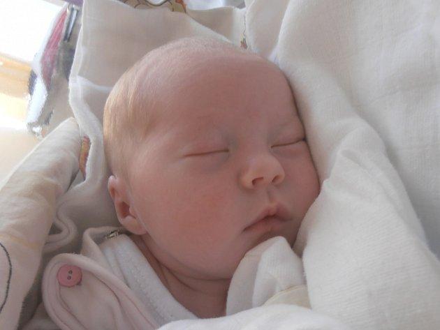 Nikol Burianová, Třebichovice. Narodila se 23. srpna 2015. Váha 3,1 kg, míra 50 cm. Rodiče jsou Hana Kolínská a Lukáš Burian (porodnice Slaný).
