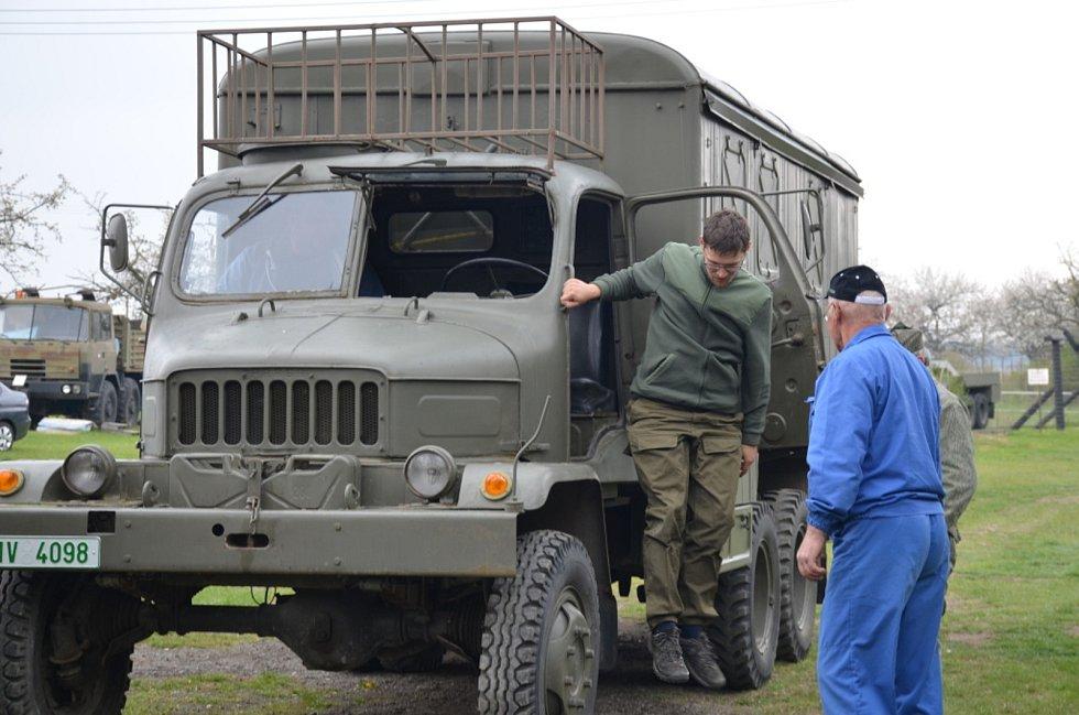 Vojenský skanzen ve Smečně přivítal první návštěvníky, na Den vítezství otevře oficiálně.
