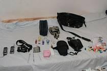 Část předmětů nalezených  při domovní prohlídce
