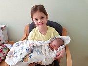 OLIVER BOKR, VELKÉ PŘÍTOČNO. Narodil se 24. března 2018. Po porodu vážil 3,93 kg a měřil 53 cm. Rodiče jsou Hana a Jiří Bokrovi, sestra Jůlinka. (porodnice Slaný)