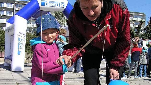 Pro děti byla připravena řada her a soutěží. Svoji šikovnost si mohly vyzkoušet například při minigolfu nebo rybaření.