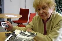Jindřicha Herinková vzpomíná na dobu, kterou strávila v Orchestru Karen Ostré, s láskou. Prý byla jednou z jeho nejmladších členek.