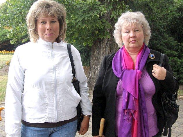 Jana Minářová a Lenka Vrchlavská (vpravo).