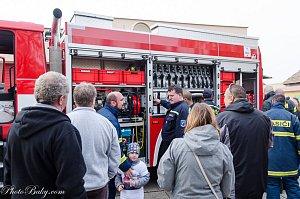 Nejstarší český hasičský sbor ve Velvarech dostal novou cisternu