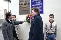 Také ve Slaném si připomněli Den boje za svobodu a demokracii