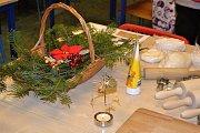 V Barevné škole v Tuchlovicích pořádali vánoční jarmark.