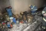 K místu výbuchu v garáži to hasiči měli jen pár desítek metrů