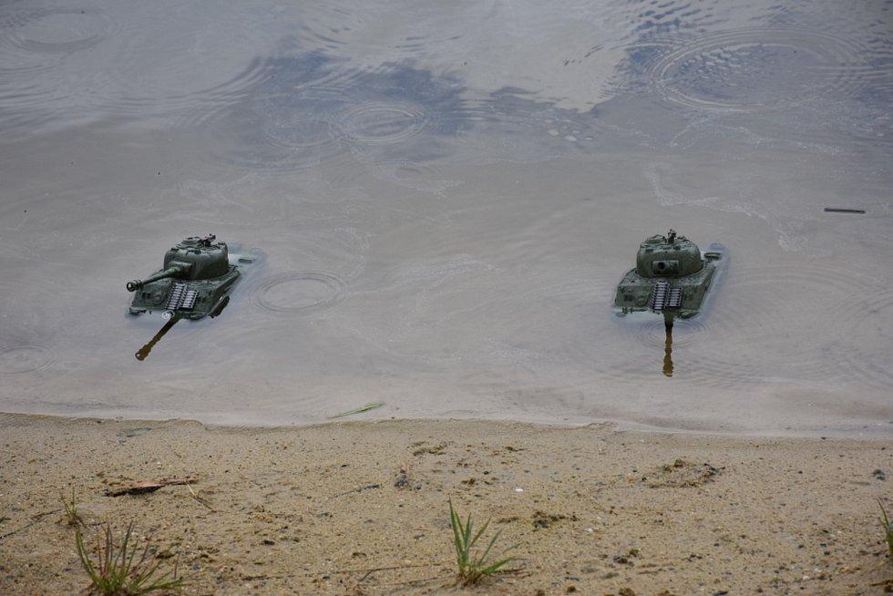 Kolaudace rybníku, Chobotfest a lodní bitva, Kačice.