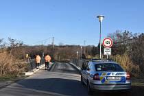 Nový rok začal tragicky, jedenatřicetiletý muž skočil ve Slaném z mostu.