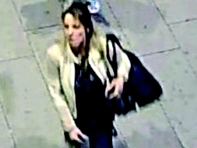 POLICIE žádá občany, aby pomohli odhalit totožnost zlodějky.