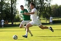 Fotbalová příprava: Braškov (v bílém) - Slovan Kladno nečekaně jasně 3:6. Foto: Miroslava Hejduková