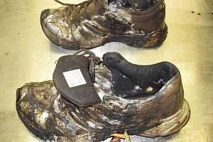Poznáváte oblečení, které měl oběšený muž v Kladně na sobě?