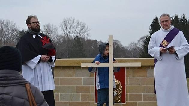 Křížová cesta v Lidicích