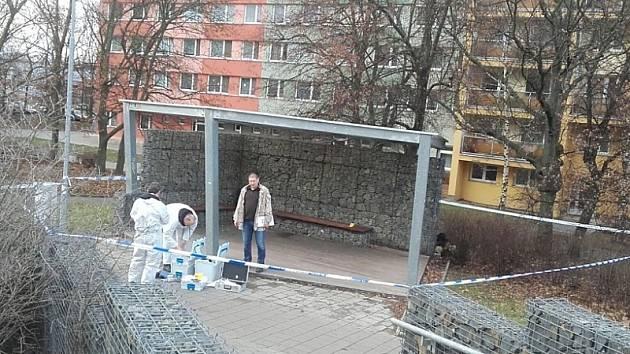 Vyšetřování případu brutálního napadení muže v Kladně v ulici ČSA.