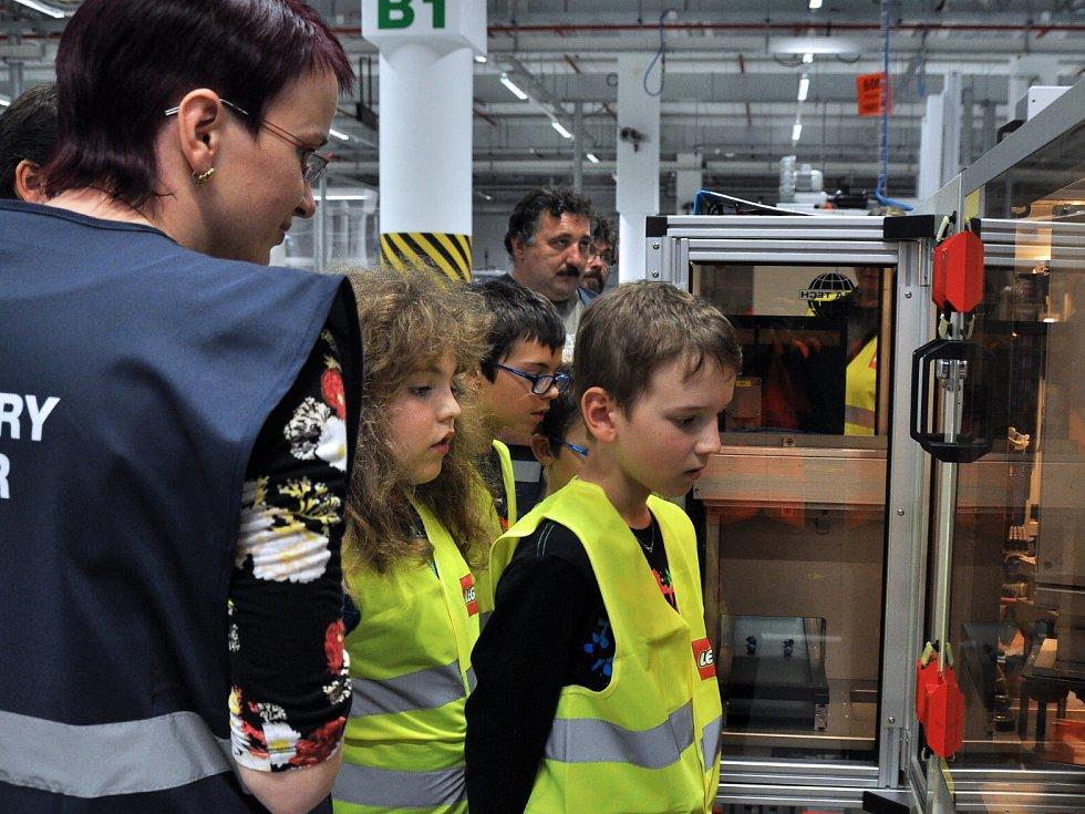 Vyhlášení výsledků soutěže Postavte z kostiček LEGO svůj prázdninový příběh.