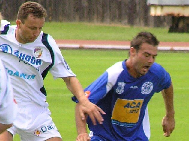 Pavel Veleba (vpravo) se jen tak s plzeňským Müllerem neutká - odchází hostovat do Kazachstánu.