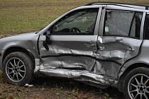 Dopravní nehoda na čtyřramenné křižovatce u Dolína.