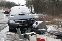 Dopravní nehoda se na železničním přejezdu v Kladně-Švermově stala krátce po sedmé hodině ranní.