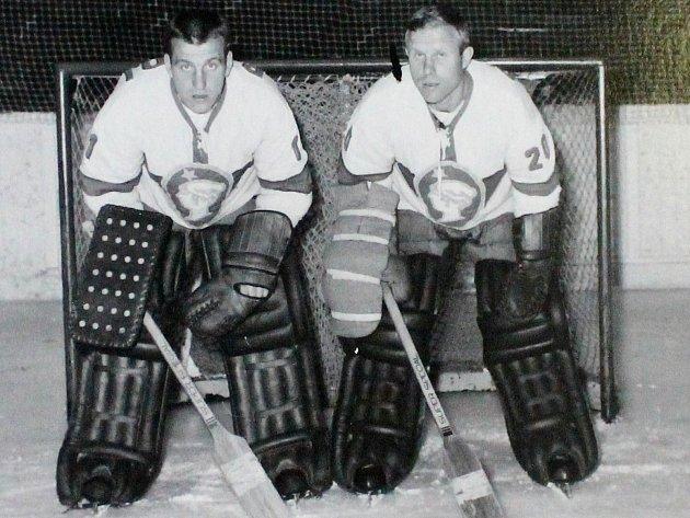 Miroslav Termer (vlevo) a Zdeněk Vojta tvořili brankářskou dvojici Kladno od 60.do začátku 70.let.
