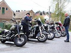 Zahájení motorkářské sezóny.