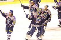 Šestý zápas čtvrtfinále play off 2005, Kladno přehrálo Pardubice 2:1.