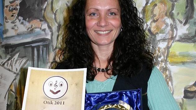 Kateřina Kučerová z Malíkovic vyhrála první místo v kategorii zpěvačka v hudební ankětě Kladenský Otík 2011