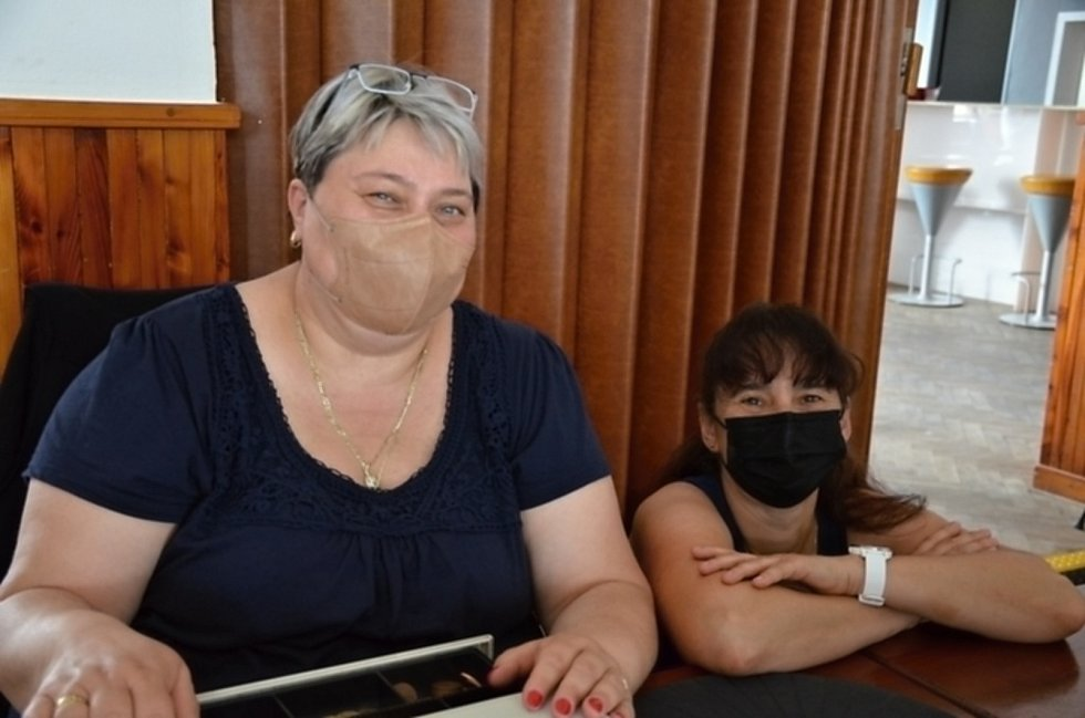 Z dobročinného bazárku zpěvačky Lucie Bílé v Otvovicích.