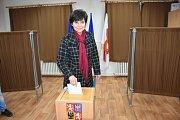 Volby v Želevčicích, v Otrubech v TOI-TOI buňce a ve Pcherách