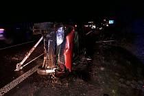 Jednotky HZS Slaný a Kladno vyjely v pondělí před šestou hodinou k nehodě tří osobních automobilů.