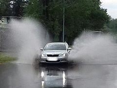 Přívalový déšť ve Slaném.