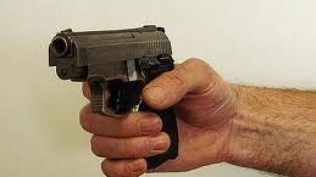 Plynová pistole ilustrační foto