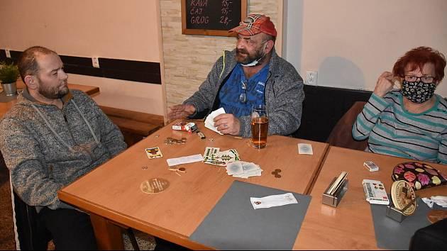 Hospoda - bar Na Růžku ve Slaném.