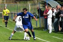 Velká Dobrá (v bílém) porazila v sousedském derby Braškov jasně 4:1. Tomáš Zelenka.