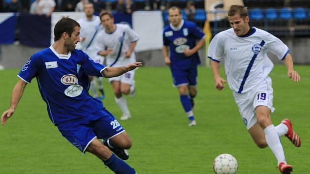 Milan Krmpotič a Jiří Kabele // SK Kladno - FC Graffin Vlašim 1:1 (0:1) , utkání 11.k. 2. ligy 2010/11, hráno 19.9.2010