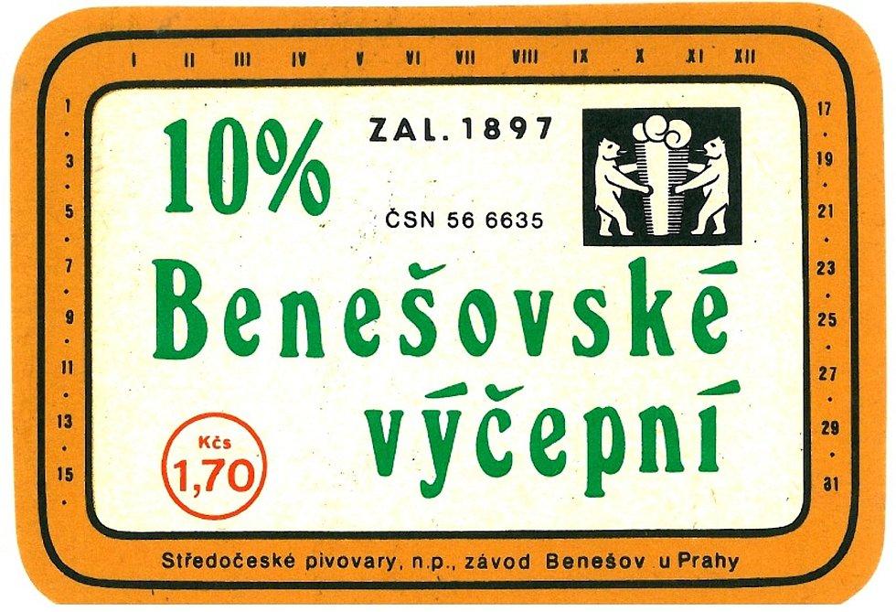 """V 70. letech takto graficky jednoduchá etiketa zdobila """"Desítku"""" Benešovského výčepního piva."""