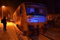 Ranní požár vlaku v Kladně-Rozdělově