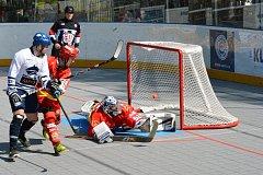 1. čtvrtfinále play off, hokejbal Kladno - Hr. Králové 3:1.