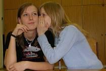 Učitelé na Kladensku a  Slánsku si od stávky příliš neslibují. Všichni spíše doufají, že rozpočtový výbor rozhodne v jejich prospěch.  Dojde–li k prosincovému protestu, budou muset rodiče mladších žáků najít pro své potomky náhradní program.
